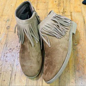EUC Mossimo Fringe Ankle Boots Tan 7.5